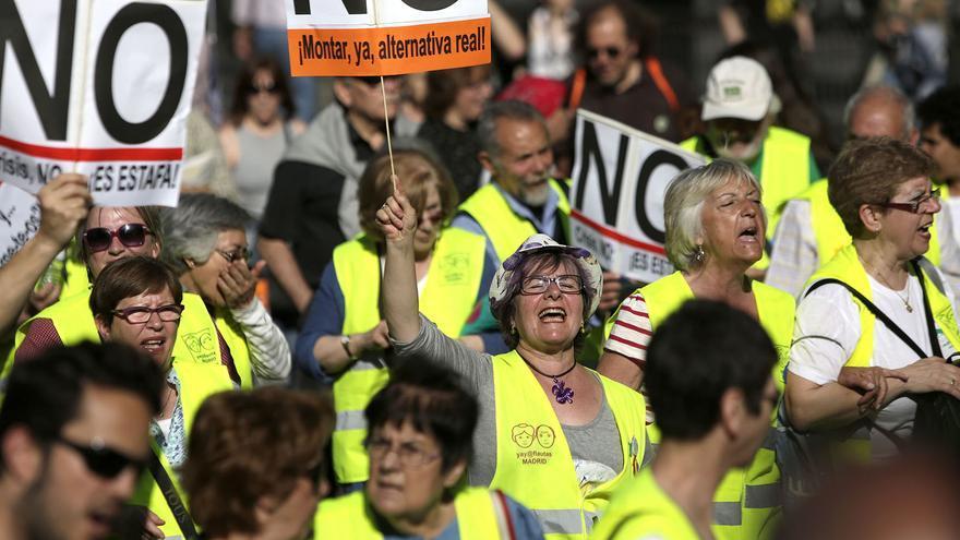 Los 'yayoflautas' durante la manifestación del segundo aniversario del 15M./ Fotografía:  Olmo calvo.