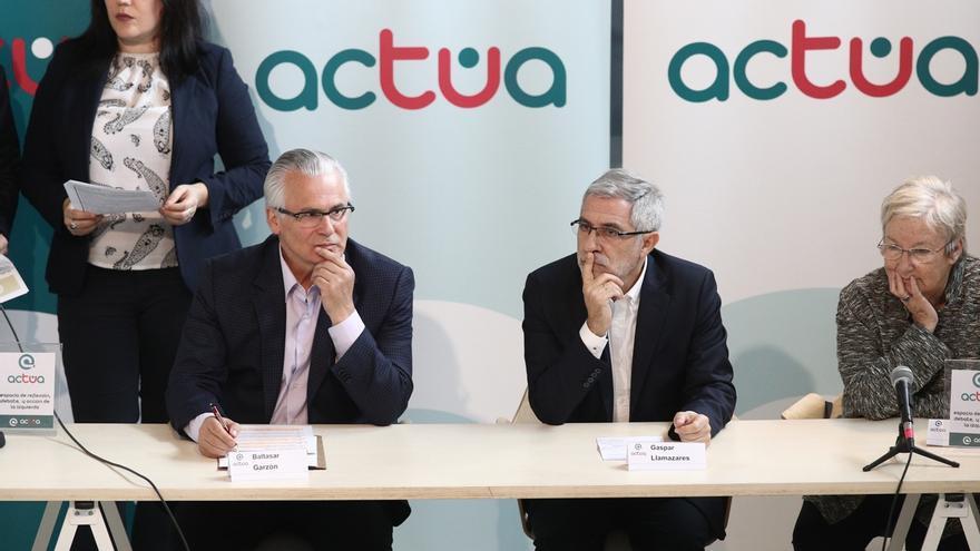 Llamazares y Baltasar Garzón defienden la presencia del Rey en el primer aniversario del atentado del 17-A