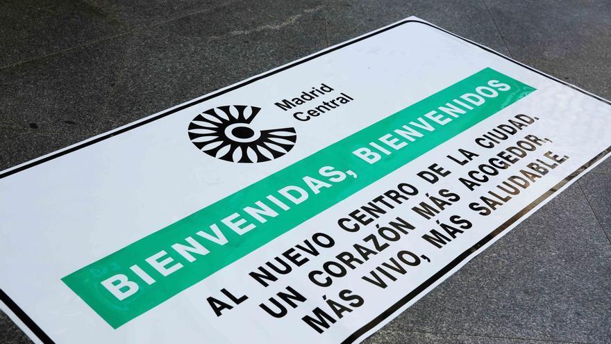 Un cartel publicitario en la presentación de ayer de Madrid Central