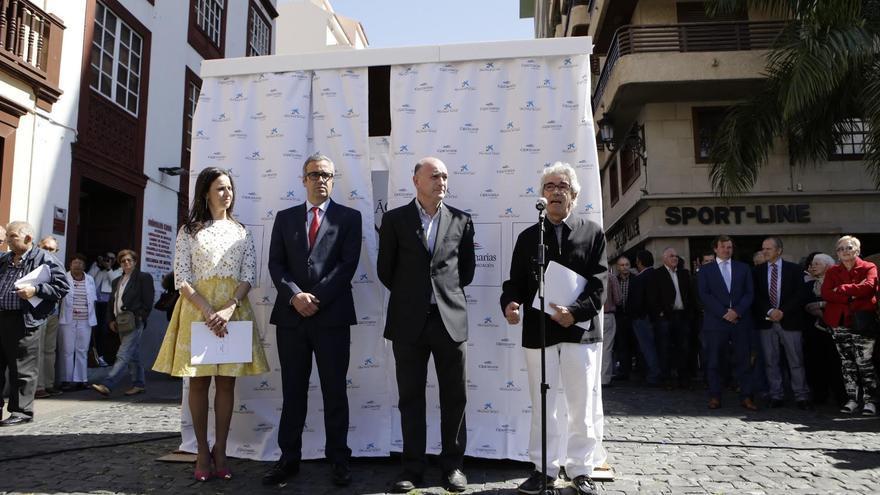 Imagen de archivo de la inauguración de la exposición 'Génesis. Sebastião Salgado' en la Calle Real.
