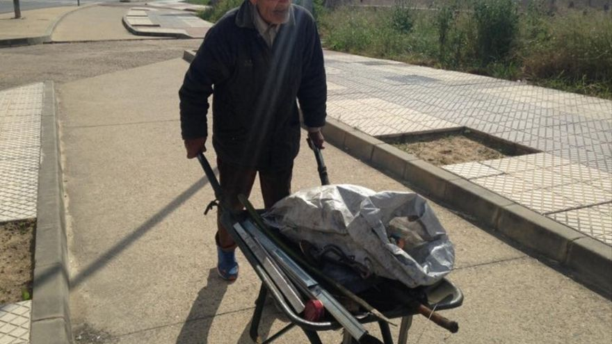 """En su camino ha captado la """"pobreza invisible"""" de Badajoz"""