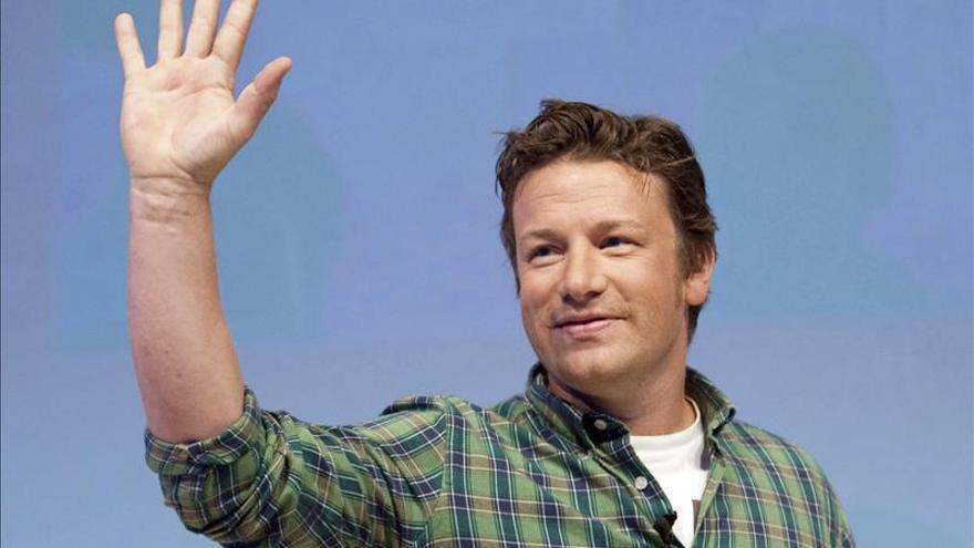 """Jamie Oliver comparte sus recetas de """"toda la vida"""" para ser feliz comiendo"""