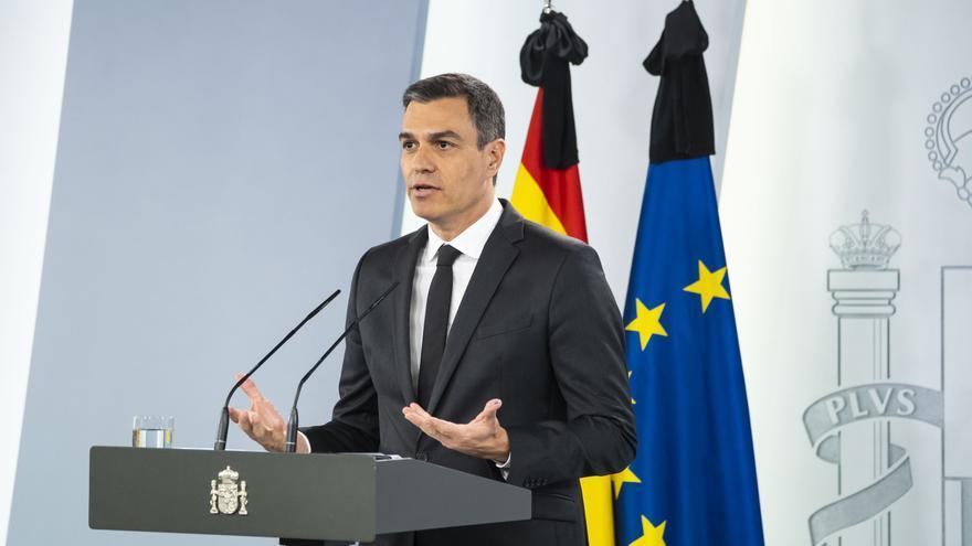 El presidente del Gobierno, Pedro Sánchez, comparece tras su reunión de este domingo con los presidentes de las comunidades autónomas.