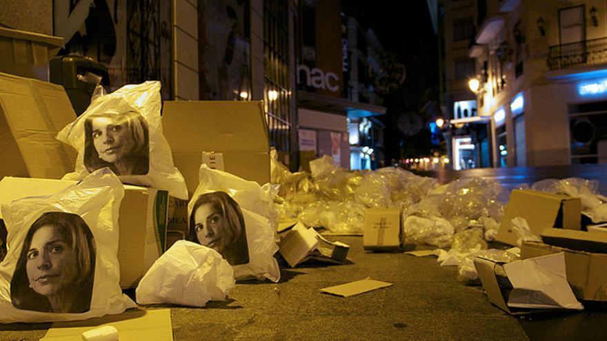 Bolsas de basura con la cara de Ana Botella./ ANA BOTELLA CREW