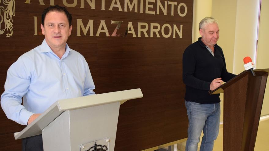 El alcalde de Mazarrón, Gaspar Miras, y el teniente alcalde de Hacienda, Ginés Campillo
