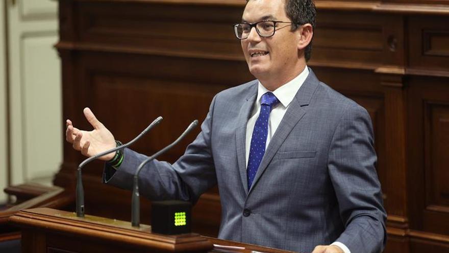 El vicepresidente y consejero de Obras Públicas del Gobierno de Canarias, Pablo Rodríguez. EFE/Cristóbal García