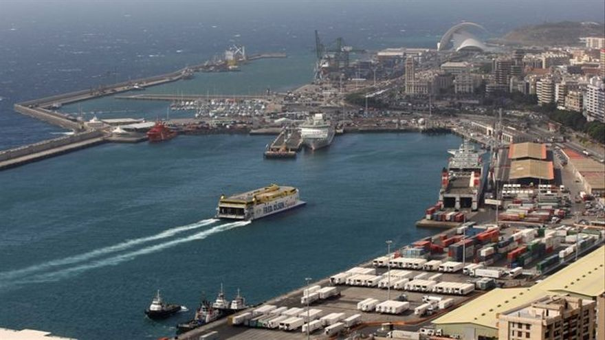 Imagen de archivo de la dársena destinada a transbordadores en Santa Cruz