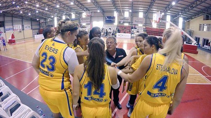 Las jugadoras del CB Islas Canarias durante un momento del encuentro frente al Club Baloncesto Clarinos. (cbislascanarias.com).