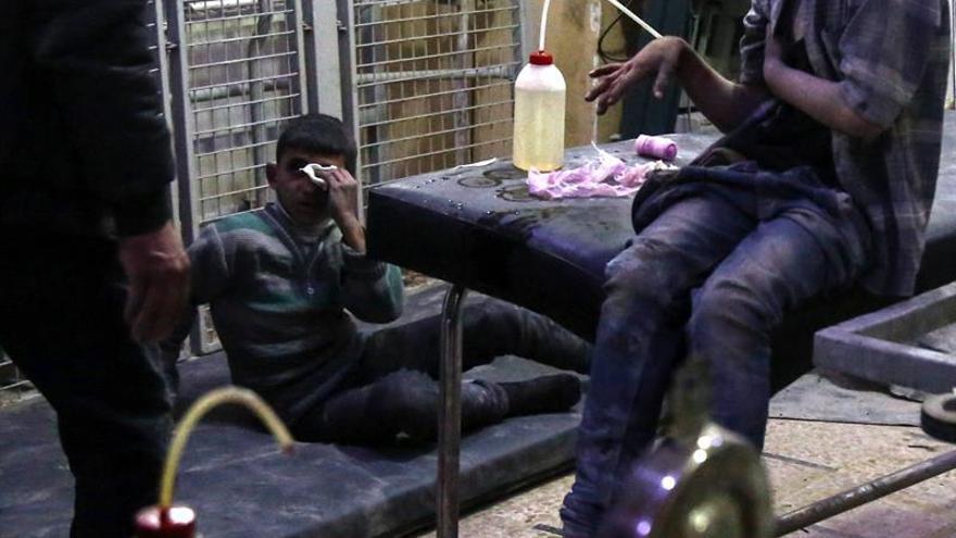 La OMS dice que la exposición a agentes nerviosos apoya la hipótesis del ataque químico en Siria