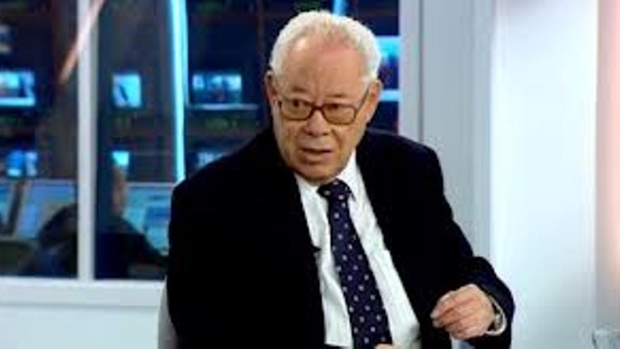 El profesor Alfredo Mederos.