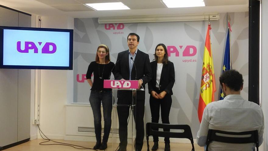 """UPyD propondrá a Rajoy una """"alianza por la democracia"""" contra el """"golpe de estado"""" de líderes catalanes """"enloquecidos"""""""