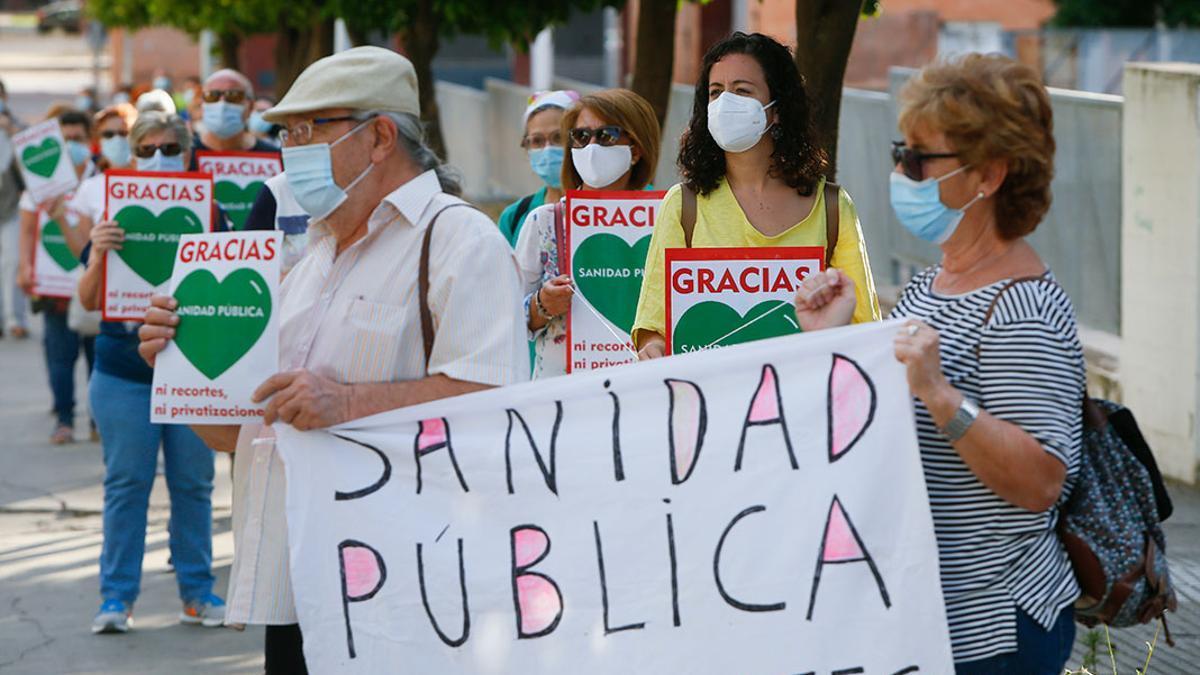 Imagen de archivo de una marcha por la sanidad pública.