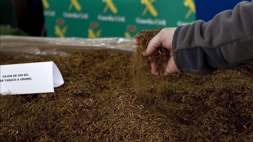 Desmantelan la mayor fábrica de tabaco clandestina de España, con 10 detenidos
