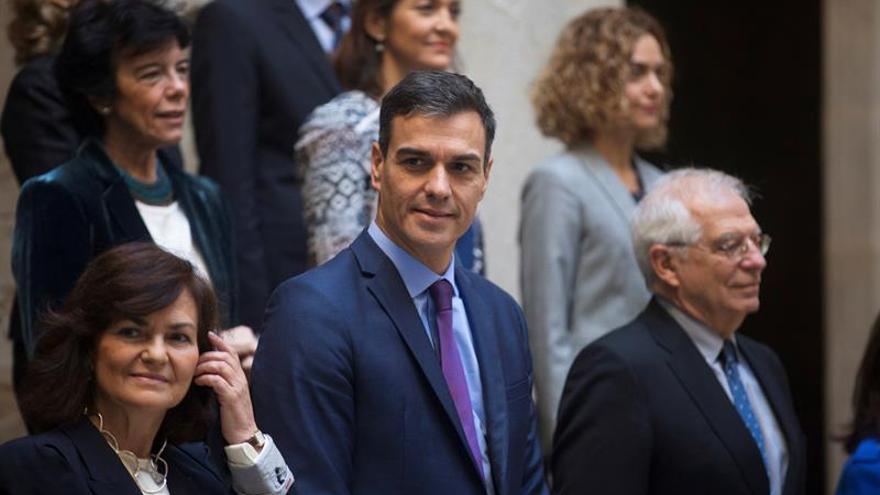 Sánchez preside la reunión y la foto de familia del Consejo de Ministros en Barcelona