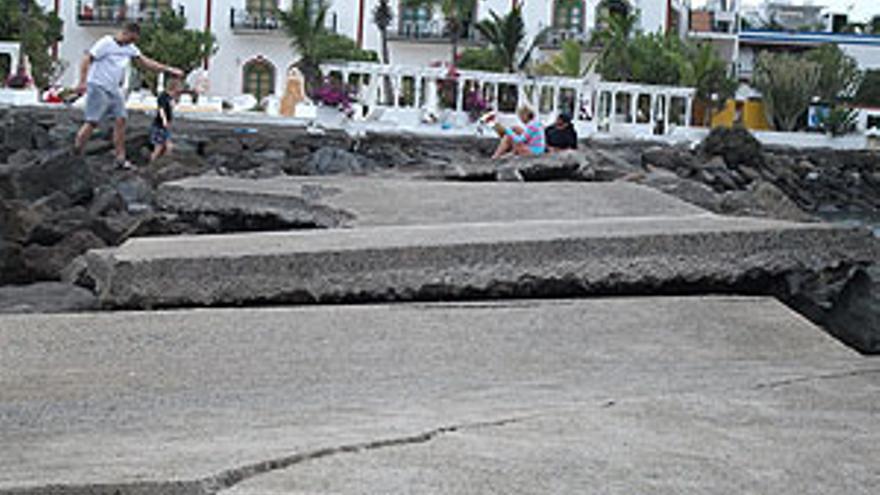 Desperfectos en Puerto de Mogán.