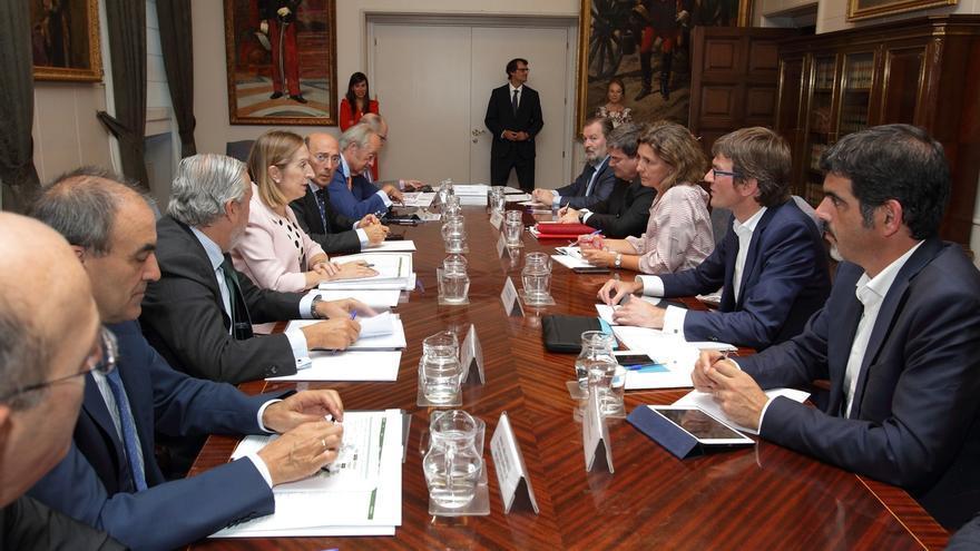 Gobierno vasco y Fomento consensuarán antes de fin de año los proyectos de acceso del TAV a las capitales vascas