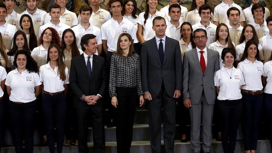 Los Reyes mantienen su agenda consternados por el atentado de Niza