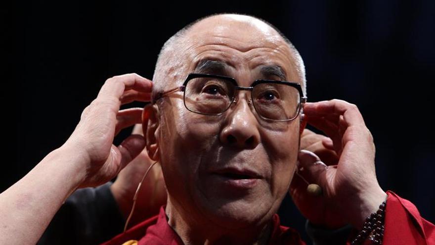 El Dalái Lama debate sobre el poder y el cuidado espiritual en Bruselas