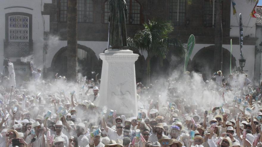 Imagen de archivo de 'indianos' en la Plaza de España de Santa Cruz de La Palma.