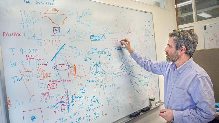 Carl Haber ha reinventado la tecnología utilizada en física de partículas para restaurar reliquias sonoras