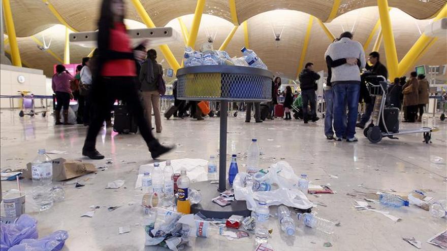 Sin incidentes en las primeras horas de la huelga de limpieza en Barajas