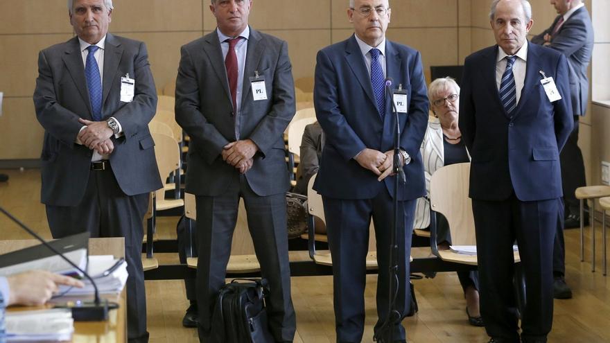 El fiscal rechaza un acuerdo y pide hasta tres años y medio de cárcel para la excúpula de Caixa Penedès