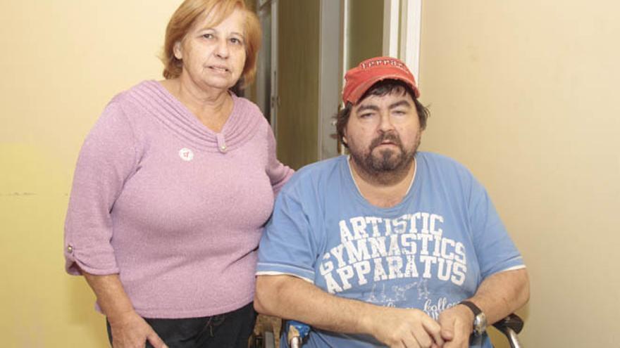 Candelaria, la madre de Tito García, el hombre que falleció al desplomarse el techo de su casa / Foto: De la Cruz.
