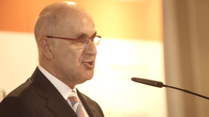 Duran avisa que la relación con Cataluña no se resuelve con recursos al TC y pide diálogo