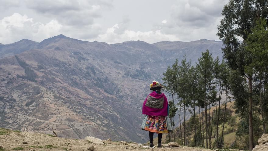 Mujer indígena en los andes peruanos.