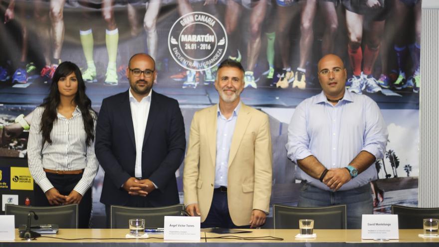 Representantes del Cabildo de Gran Canaria, el Ayuntamiento y la Federación de Atletismo en la presentación del maratón 2016.