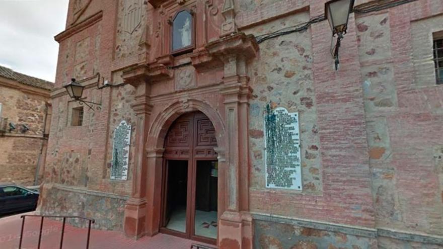 El alcalde de Herencia acusa a los Mercedarios de cambiar de opinión respecto a la retirada de las placas de la Iglesia