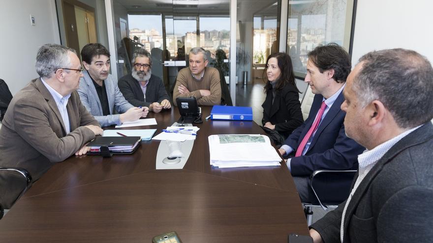 Gobierno, CHC y ayuntamientos del Saja colaborarán para recuperar el río y prevenir inundaciones