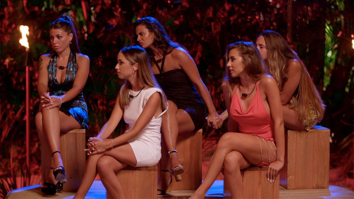 La hoguera de las chicas en 'La isla de las tentaciones'
