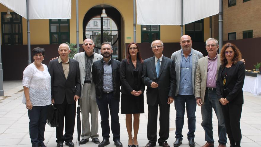 Representantes de la Diputación de Valencia y de la Acadèmia Valenciana de la Llengua