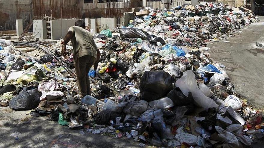 El Gobierno libanés decide exportar la basura para poner fin a larga crisis