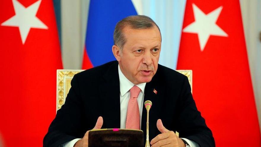 Ankara interviene 28 ayuntamientos por vínculos con el PKK o la red de Gülen