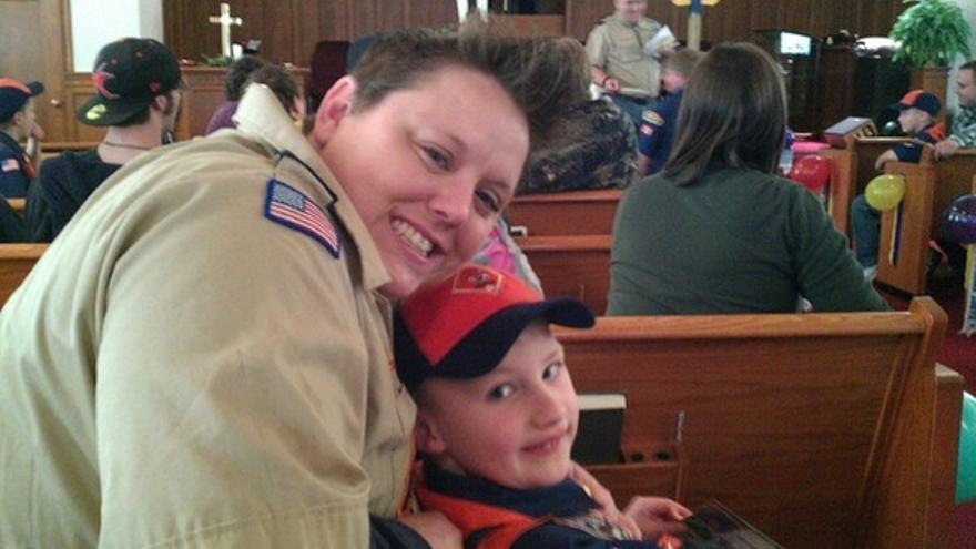 Jennifer Tyrrell y su hijo