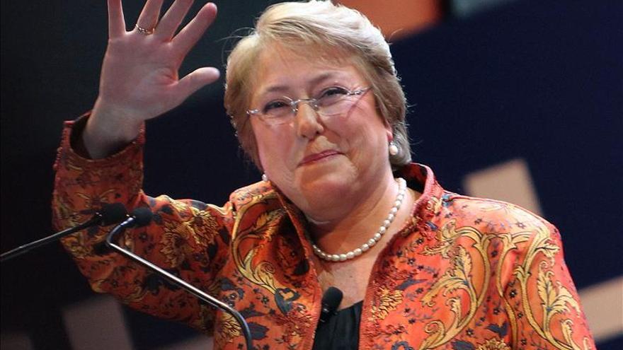Bachelet colaborará con la justicia ante una querella por la fallida alerta de tsunami