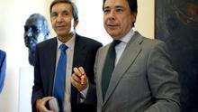 El fiscal jefe Anticorrupción, Manuel Moix, e Ignacio González, en un acto en 2013