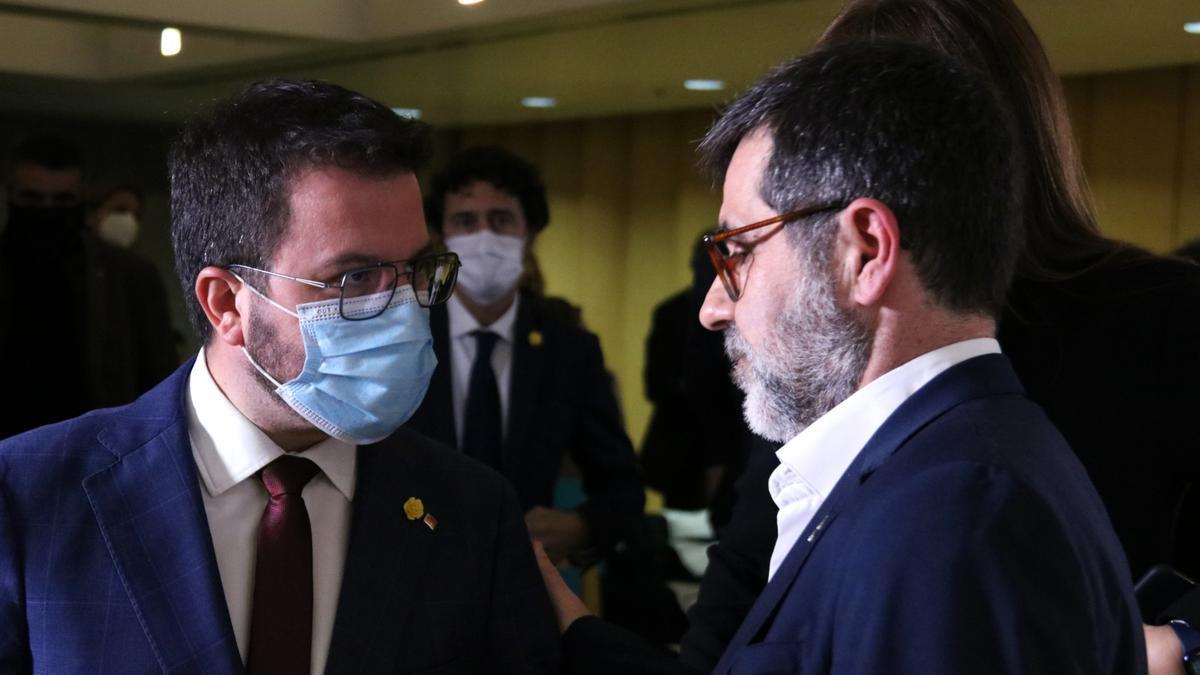 Aragonès y Sànchez, tras una conferencia de Junts