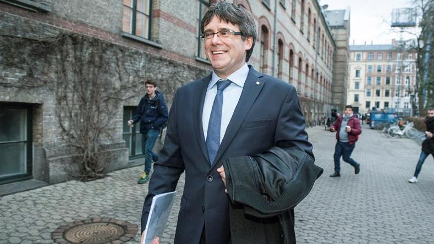 Puigdemont retira la petición de delegar voto para la sesión de investidura
