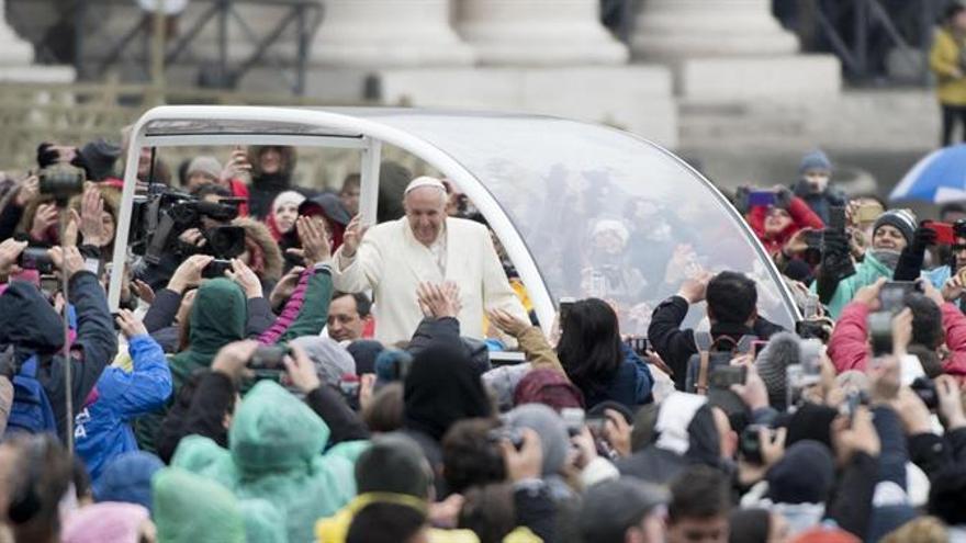 """El Papa pide vencer """"los demonios"""" de la desconfianza y la apatía en la Cuaresma"""