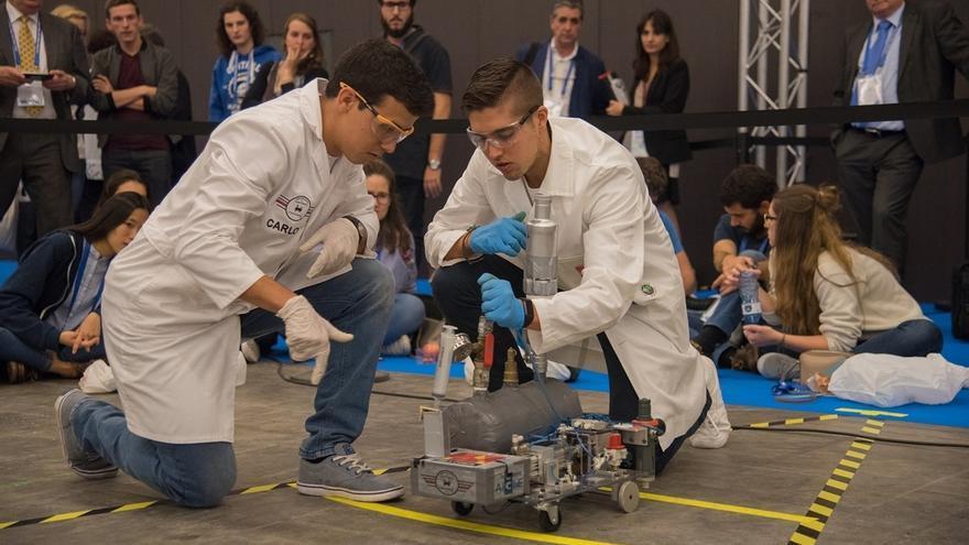 Un coche diseñado por estudiantes de la UC, premiado en la 'Chem-E-Car'