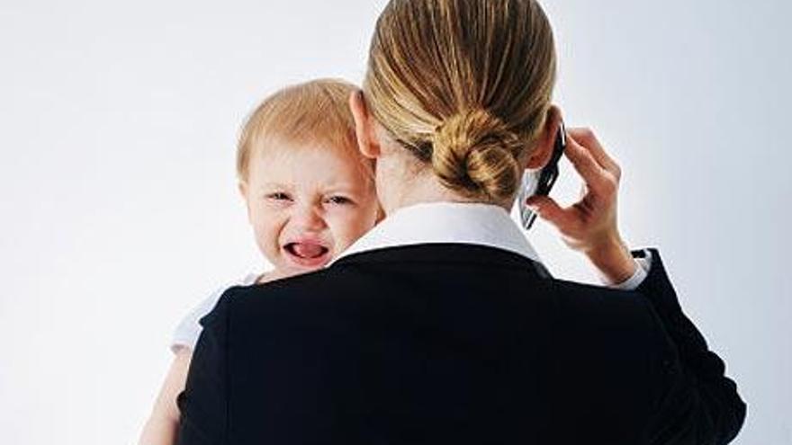 Retrasar la maternidad para promocionar en el trabajo: ¿oportunidad o muestra de un sistema perverso?