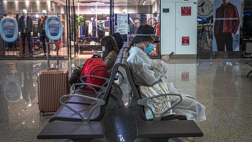 El número de nuevos contagiados por el coronavirus SARS-CoV-2 en China en las últimas 24 horas fue de 62, frente a los 32 detectados en la víspera, informó hoy la Comisión Nacional de Sanidad.