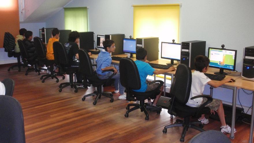 Industria ofrece cursos de robótica, impresión 3D y creación de videojuegos en los telecentros