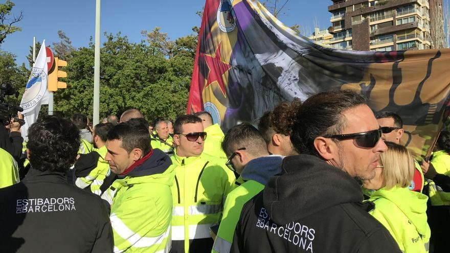 Escrache a Rajoy de los estibadores en Barcelona