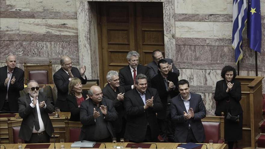 El Parlamento griego vota a favor de la moción de confianza al nuevo Gobierno