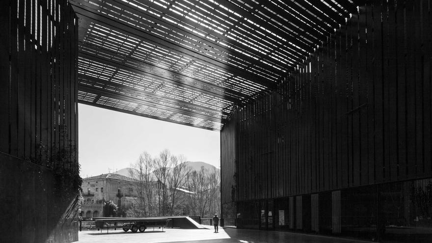 Espacio Público Teatro La Lira, de Ripoll (Girona)