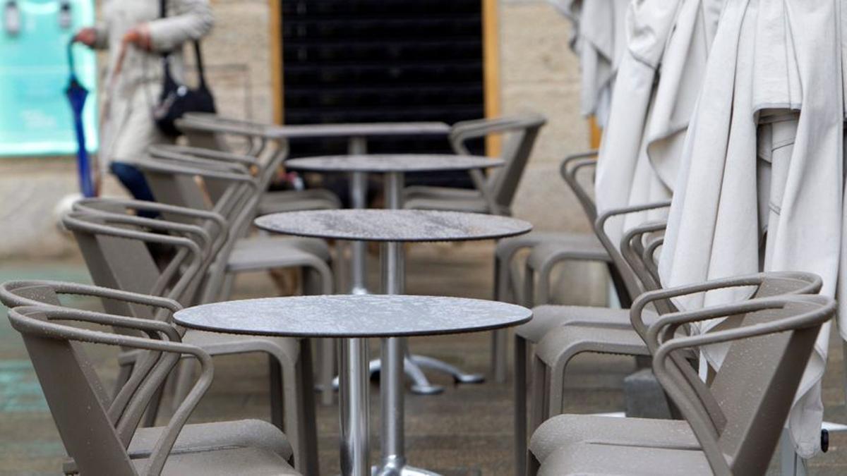 Terraza de un bar vacía